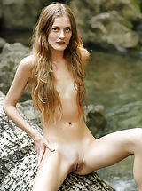 Tiny Puffies, Claudia | Girl In Nature